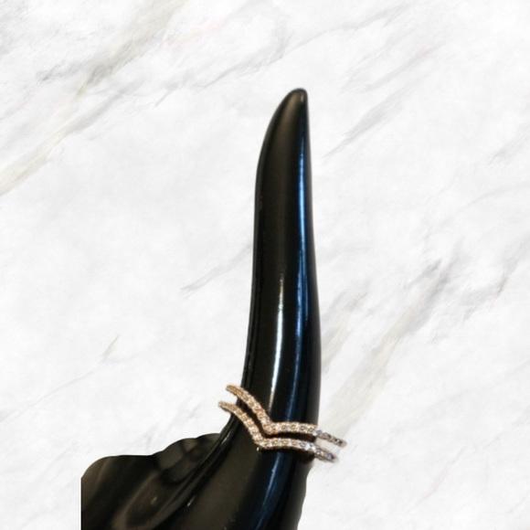 4/$30 🌷 Adjustable Rose Gold Chevron Ring